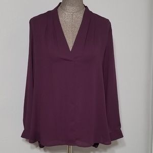 Vince Camuto v-neck long sleeve blouse, size M